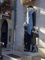 Marie Noël - Auxerre, statue près de la mairie