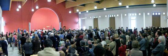 Première messe dans la nouvelle église de Venelles